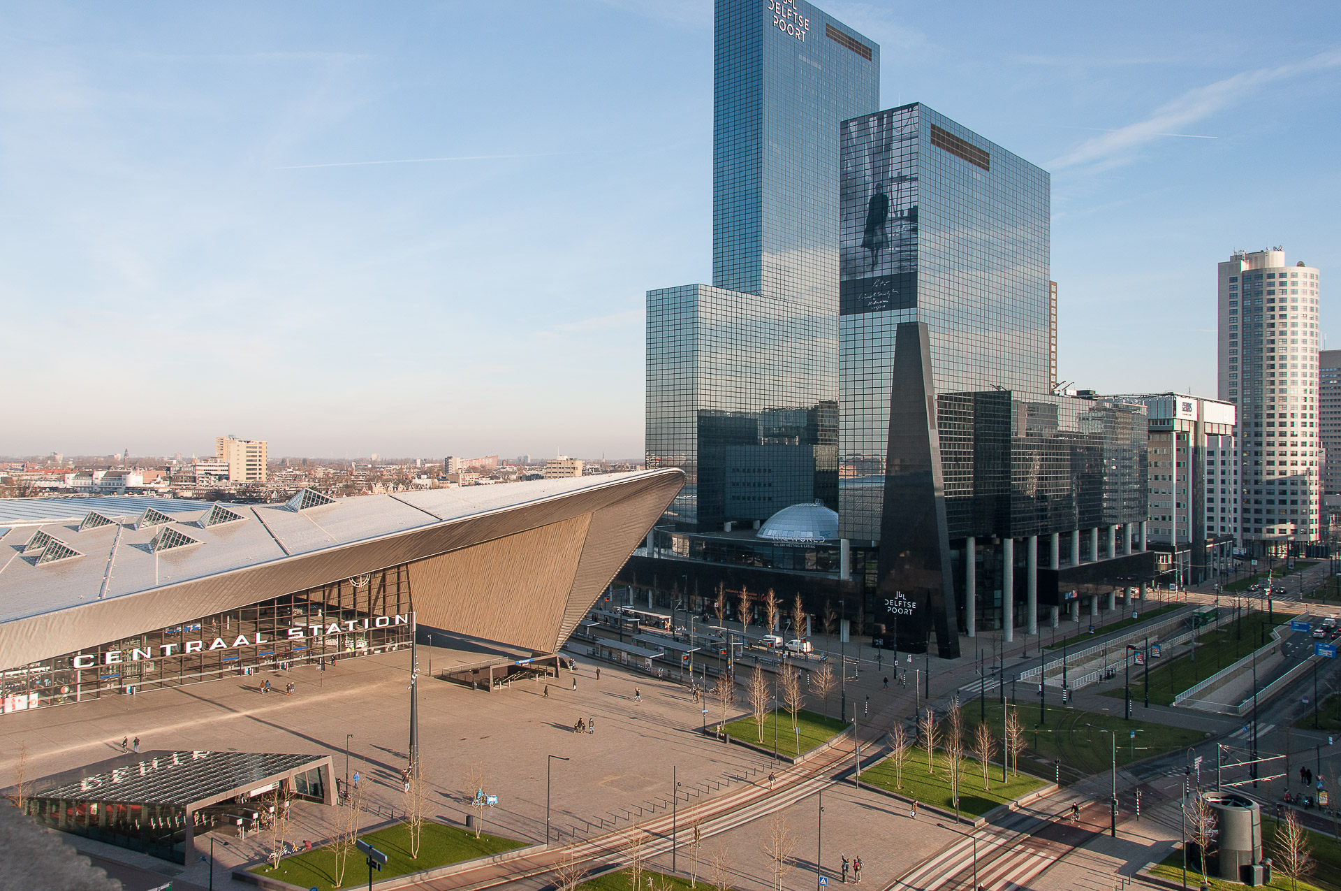 PREMIER SUITES PLUS Rotterdam central station